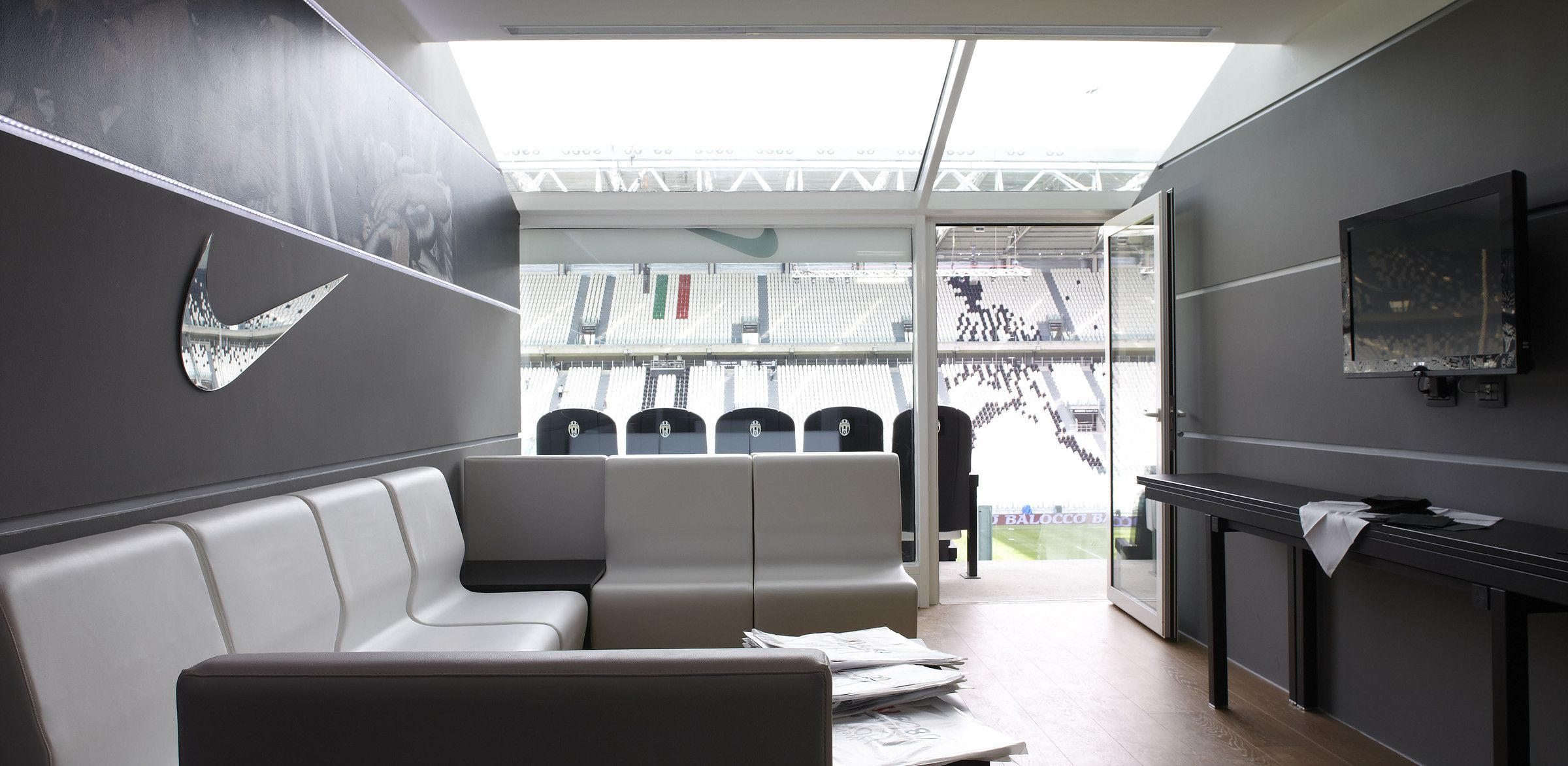 juventus stadium box torino office interiors interior home decor juventus stadium box torino office