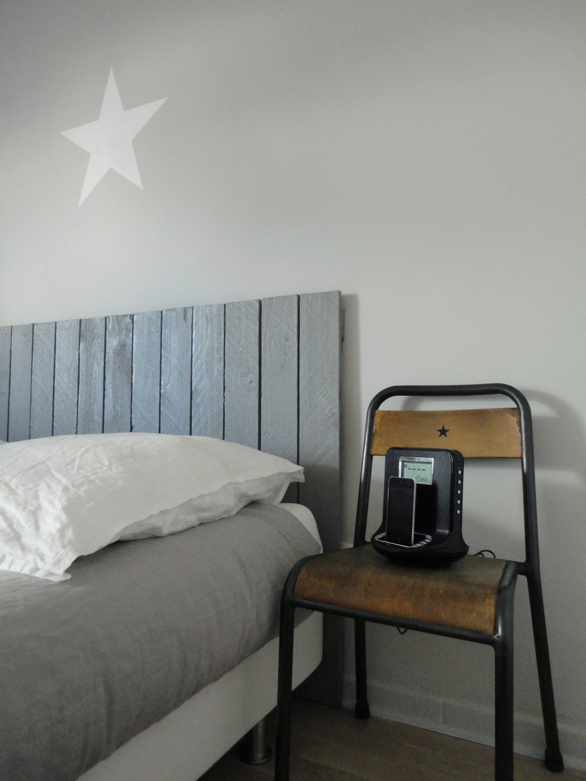 t te de lit en planche for the home pinterest lit t te de lit planche and chambre. Black Bedroom Furniture Sets. Home Design Ideas