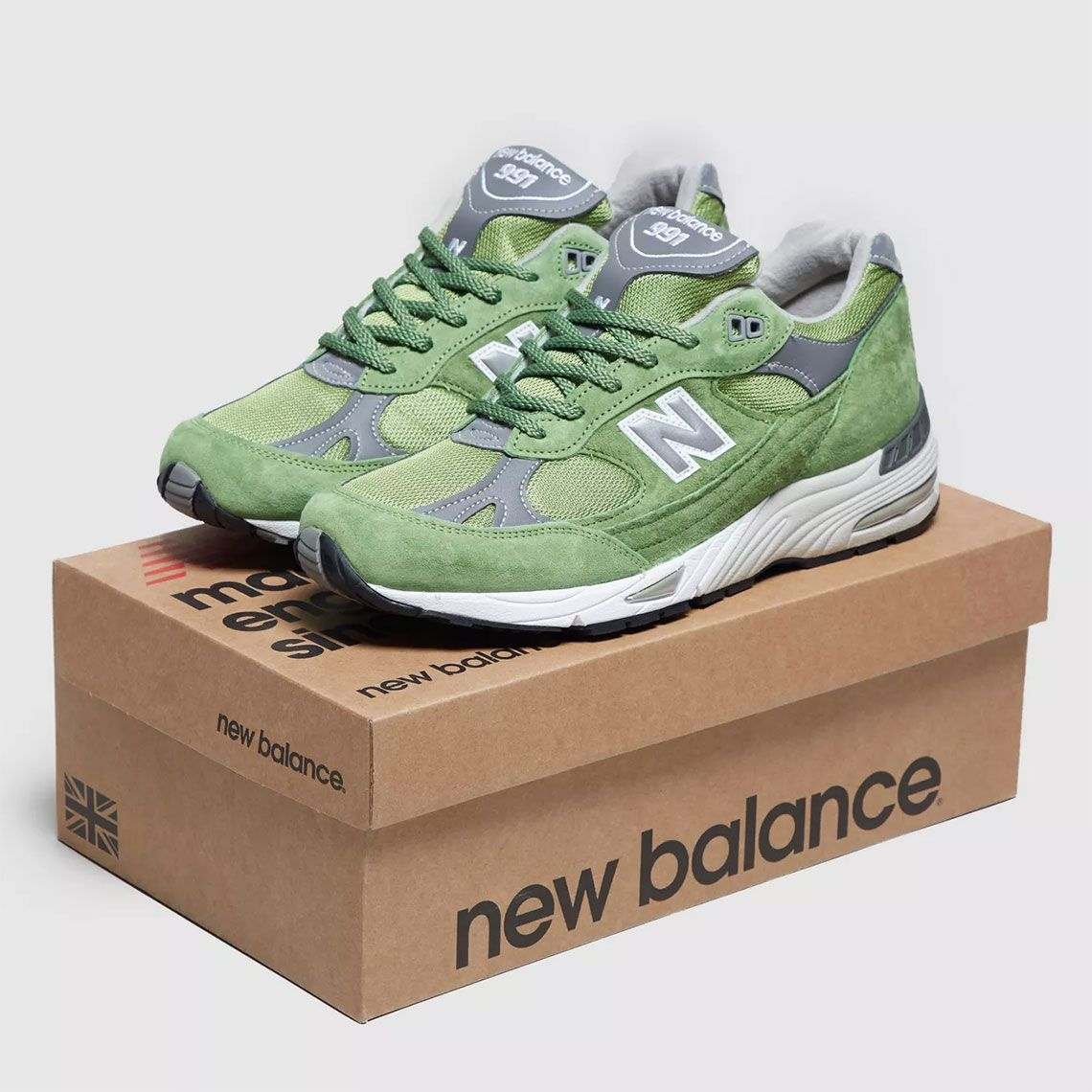 New Balance 991 Green Suede Available Now Sneakernews Com Green Suede Suede New Balance