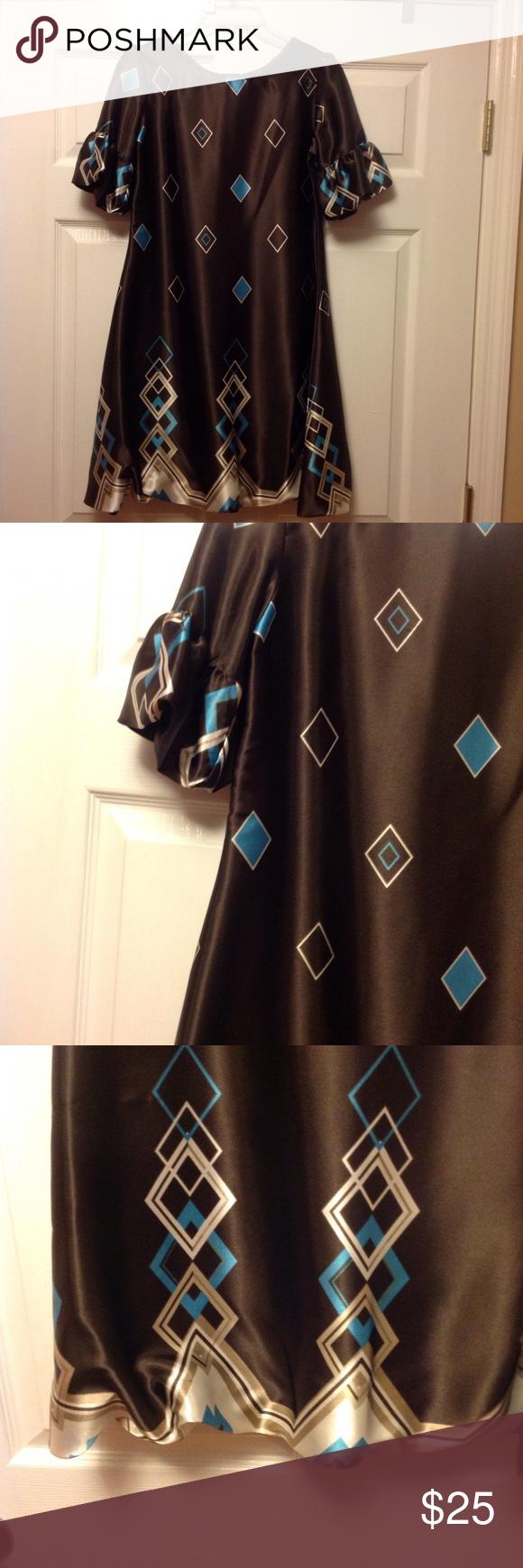 Dark brown dress nice dress with minimal wear good condition