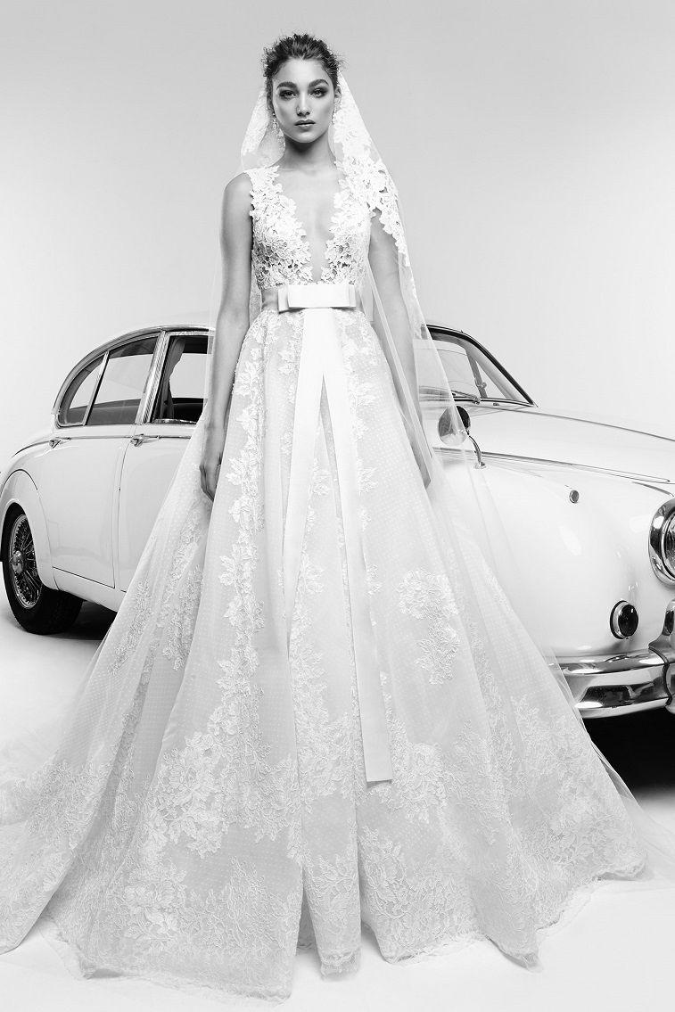 Gorgeous wedding dress with amazing details