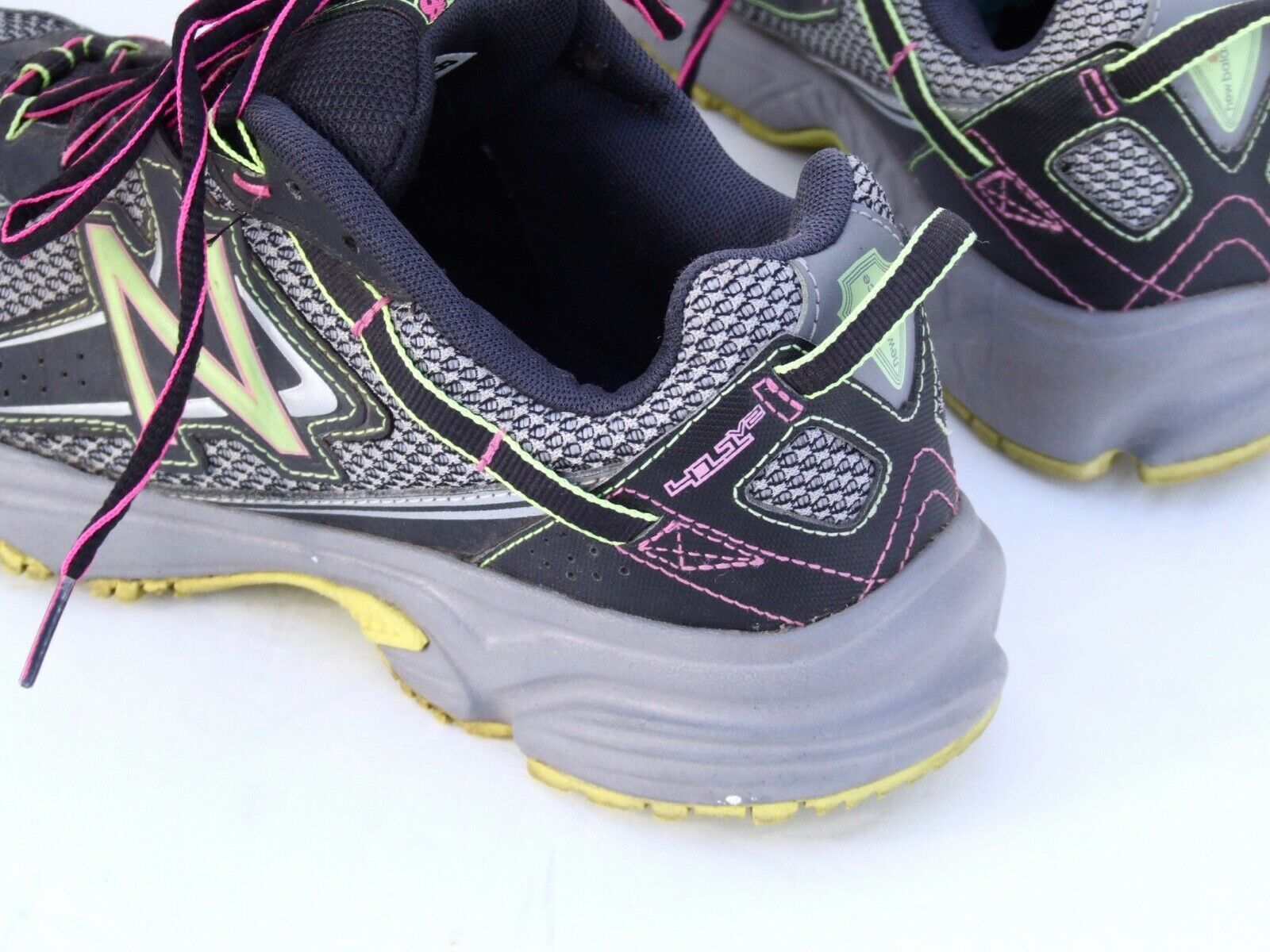 calor Fuera de plazo Honorable  NEW BALANCE WOMEN Running Shoes Sneakers Trail All Terrain Athletic 411 V2  8.5 M | Running shoes sneakers, Womens running shoes, Running women
