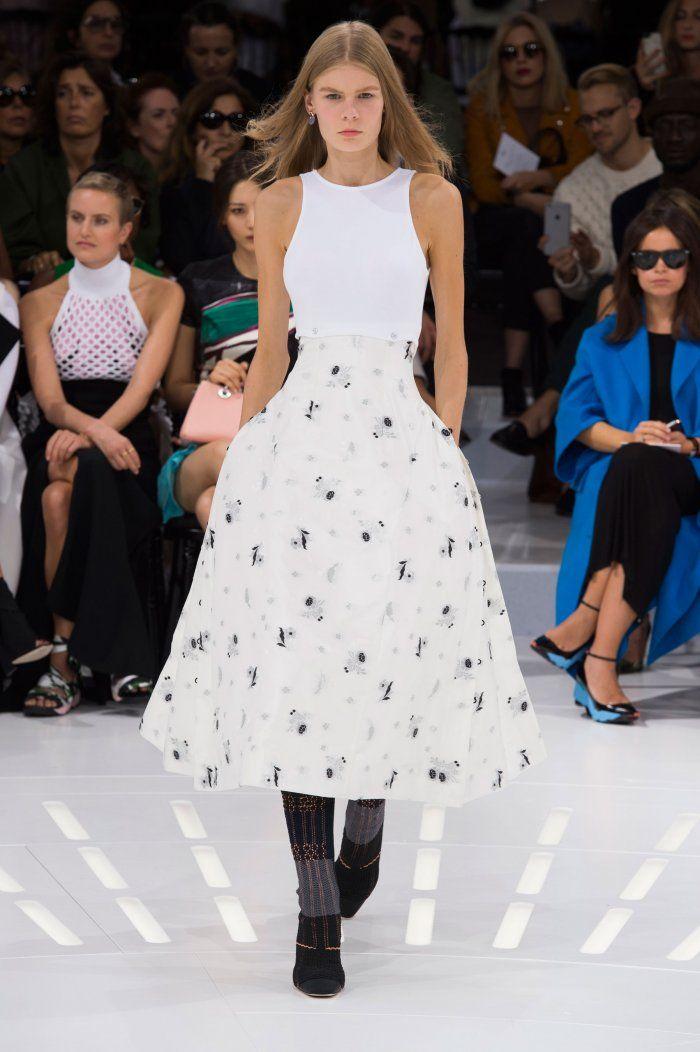 картинки платья известных брендов сама убедилась