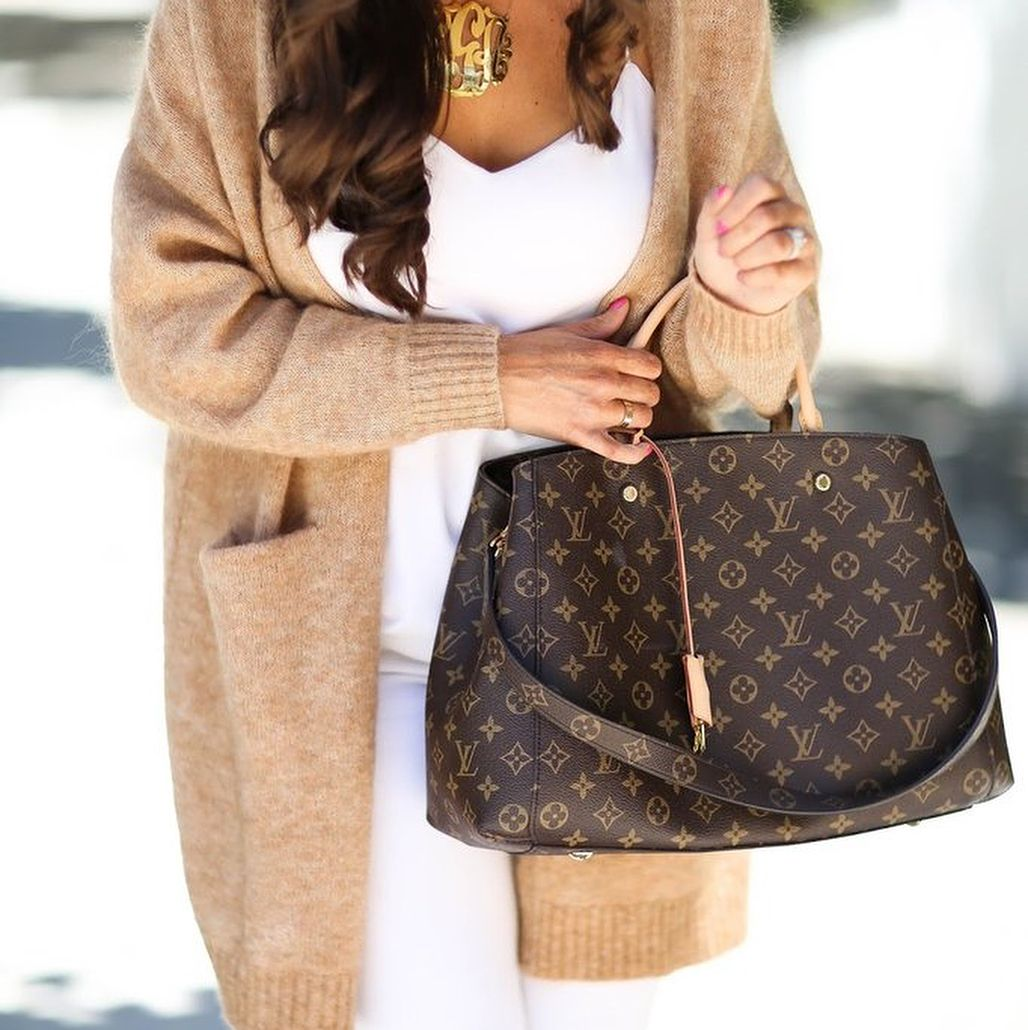 488be5d3368fe Louis Vuitton Monogram Tote   Shoulder Bag.