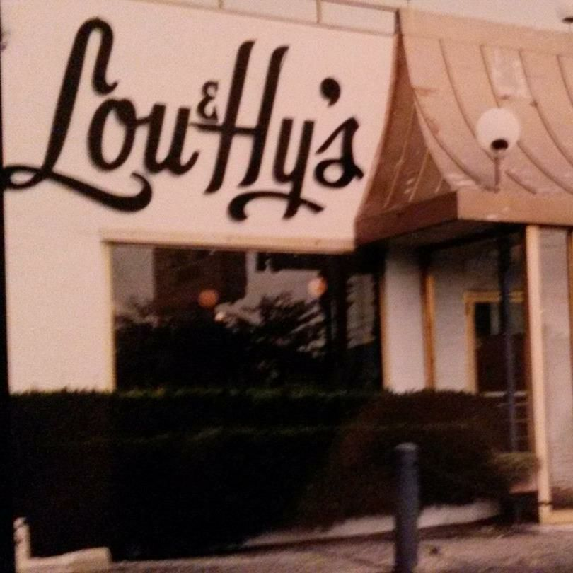 Lou Hy S Deli In Akron Ohio Superb Jewish Deli With Table