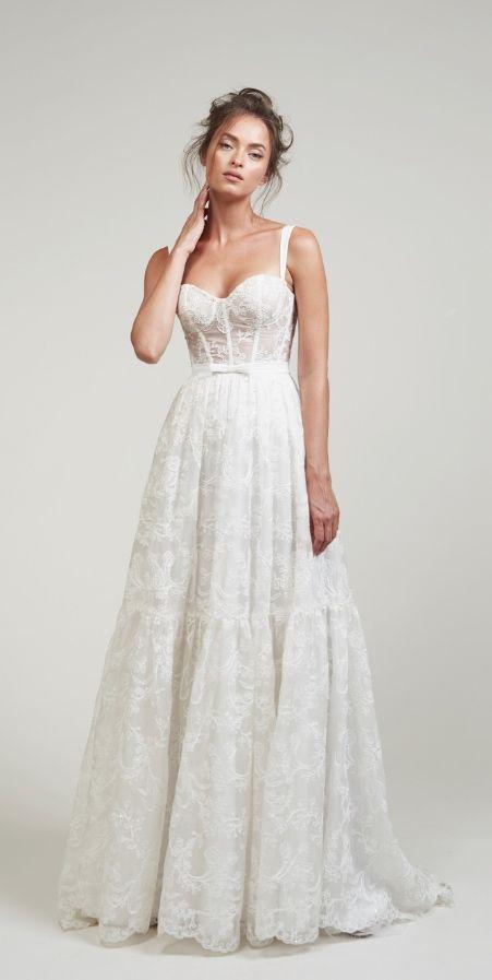 Courtesy of LIHI HOD Wedding Dresses; www.lihihod.com