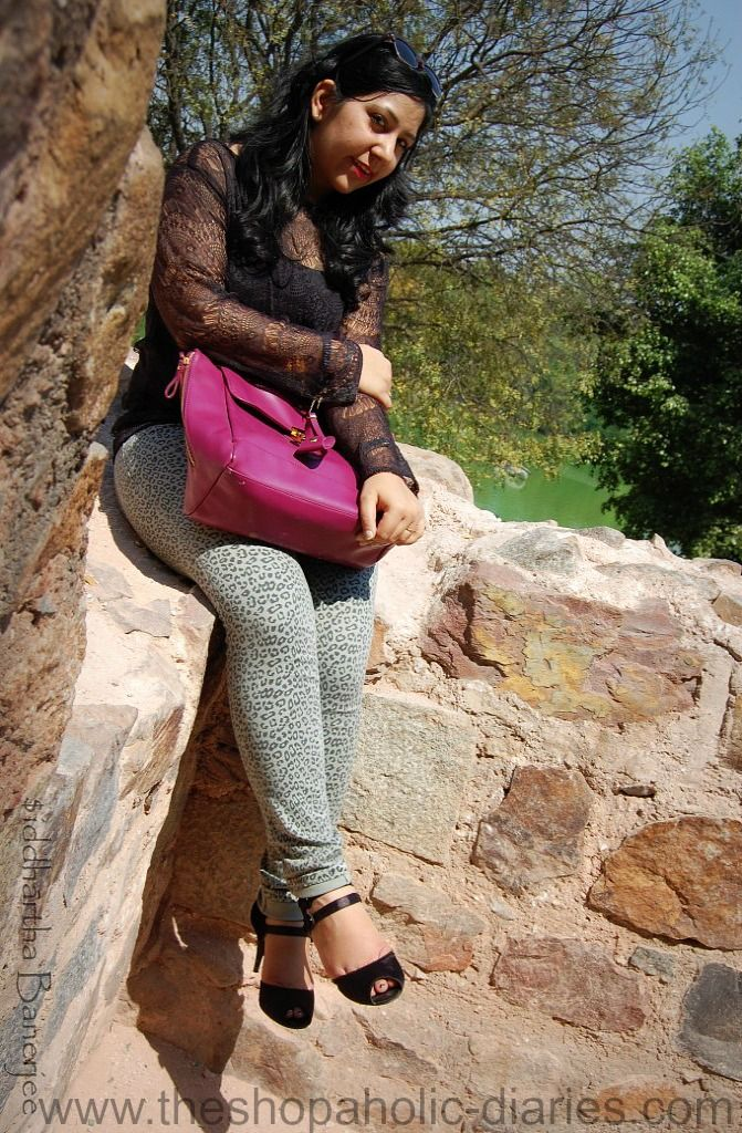 The Shopaholic Diaries - Fashion and Lifestyle Blog !: OOTD - Lace Meets Leopard | Lace Top and Animal Print Jeans !
