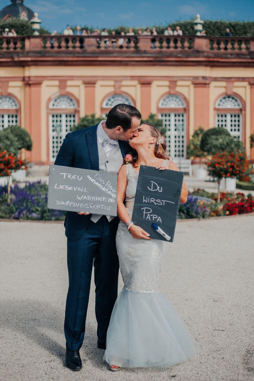 Du Wirst Papa Emotionale Uberraschung Wahrend Des Hochzeitsshootings Jonathan Deis Hochzeitsfotograf F Hochzeitsfotograf Hochzeitsfoto Idee Hochzeit Bilder