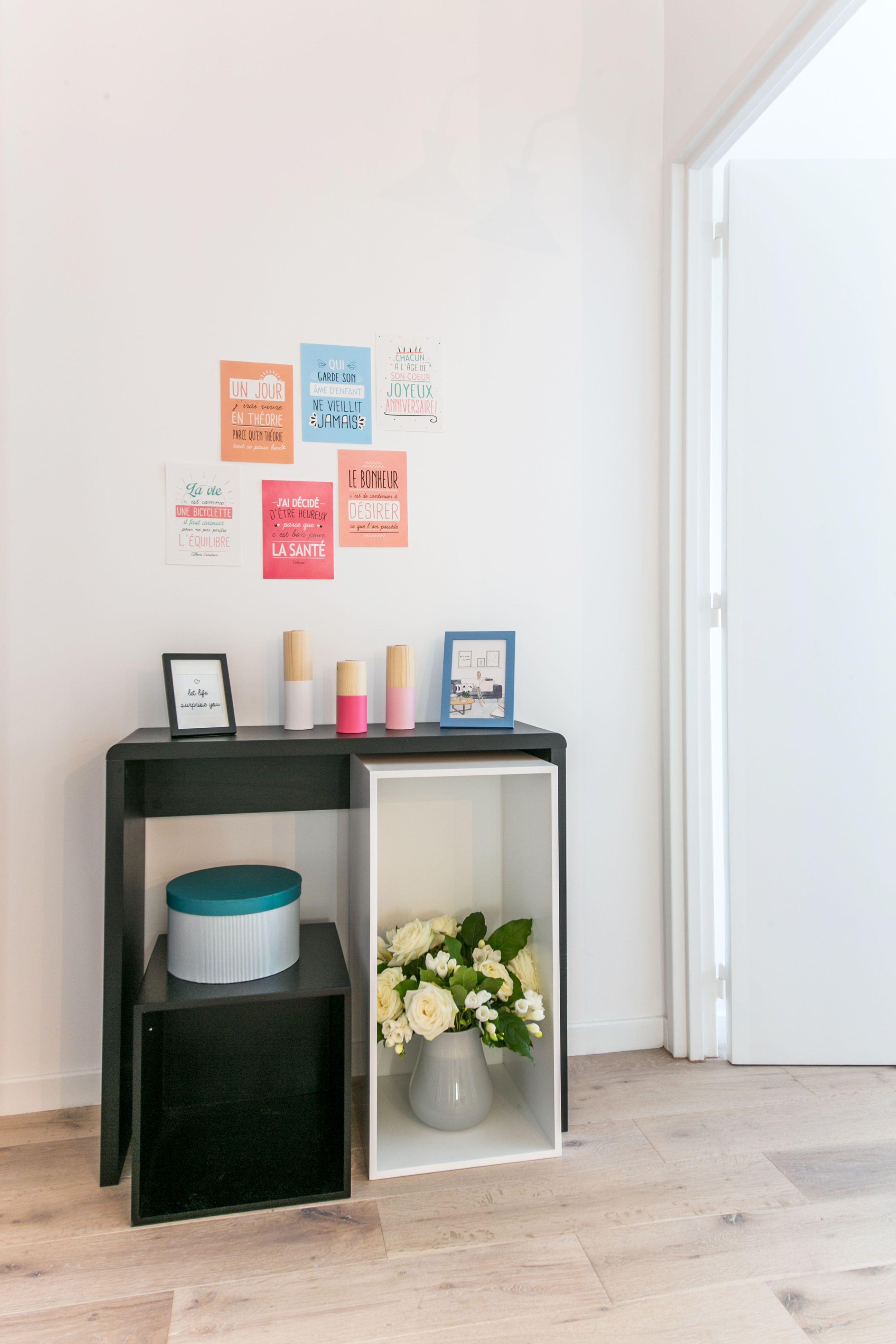petit meuble noir r hauss de couleurs pour d corer l. Black Bedroom Furniture Sets. Home Design Ideas