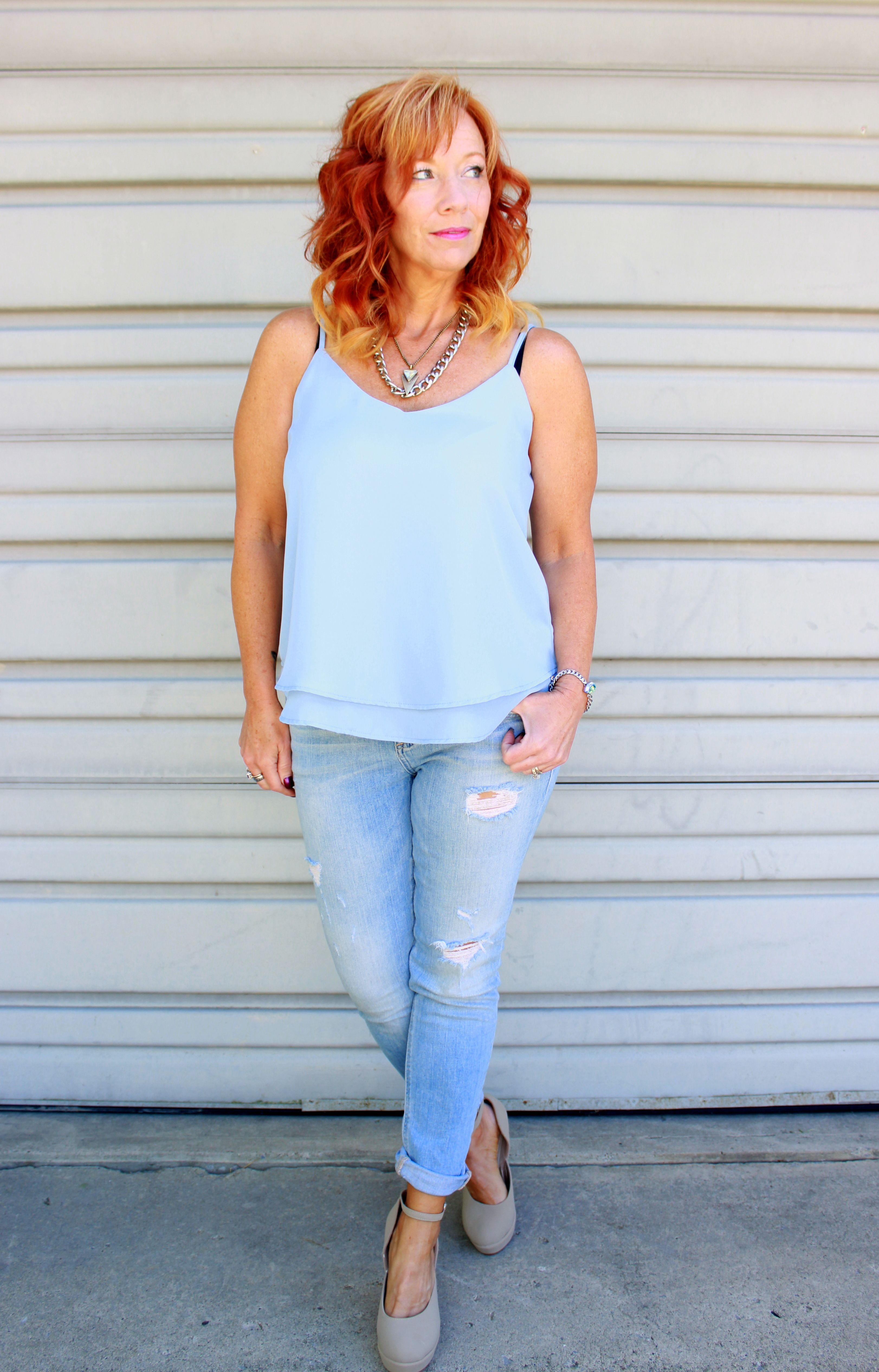 cami, distressed skinny jeans, nude pumps
