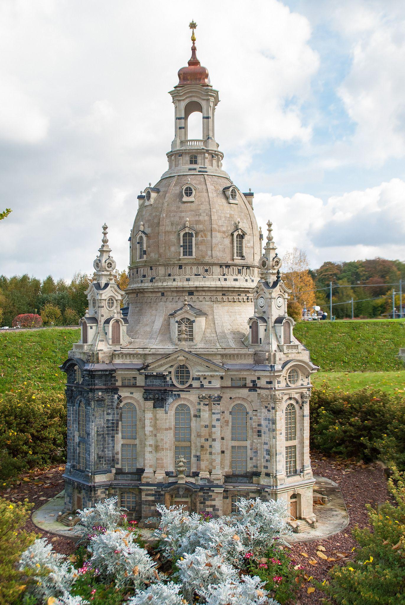 Dresden Frauenkirche Als Modell In Der Miniaturwelt Lichtenstein In Sachsen Barcelona Cathedral Cathedral Landmarks