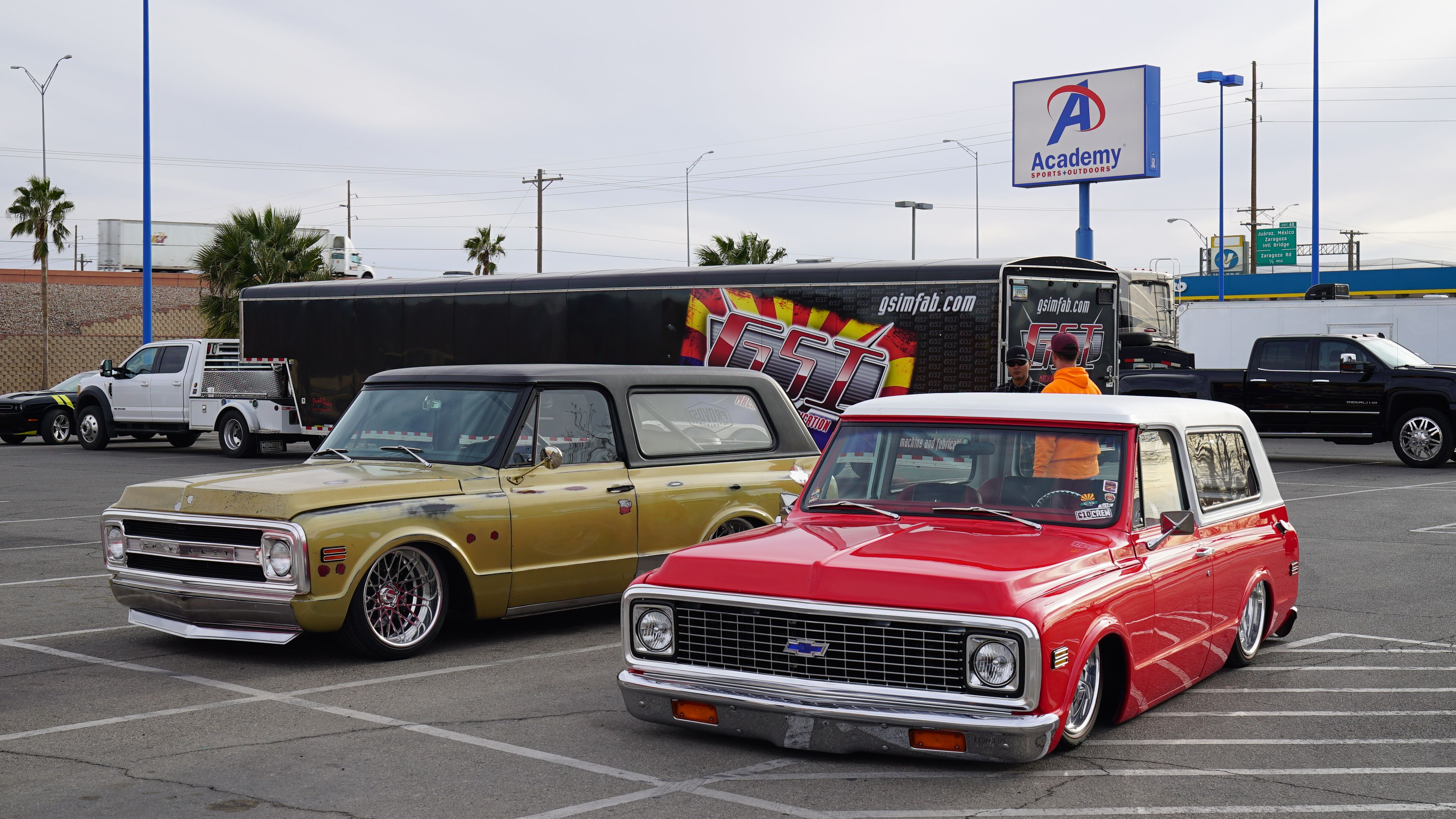 Red Box And Goldie In Front Of The Gsi Trailer In El Paso Texas During Eastbound And Down 2019 On The Way To The Lone C10 Chevy Truck Chevy Trucks Cars Trucks
