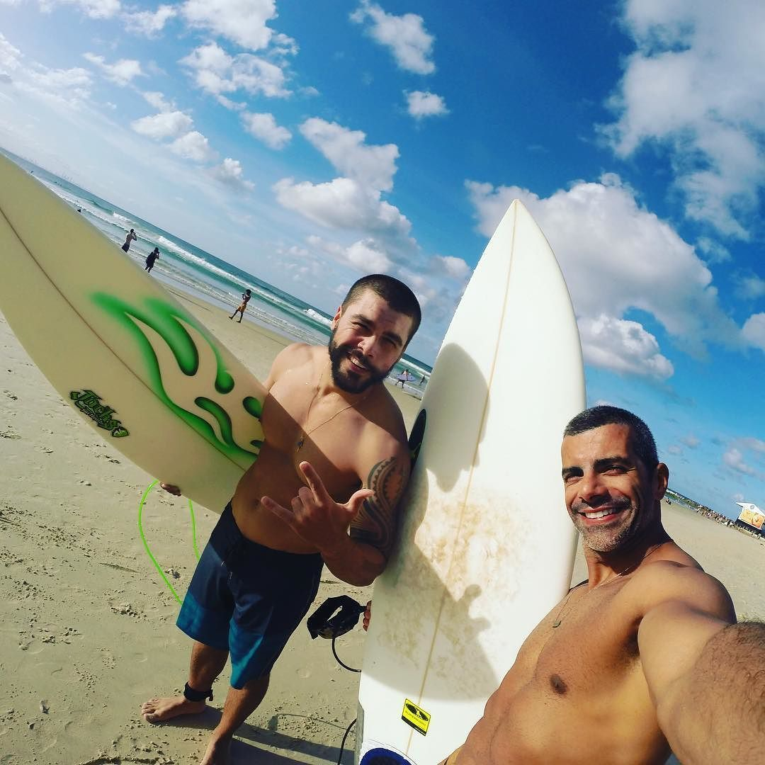 Parceria no Surf Snnaper Rocks #surf #surfing #gopro #goldcoast #australia #surfer #superkort #snapperrocks by alexferrertrainer