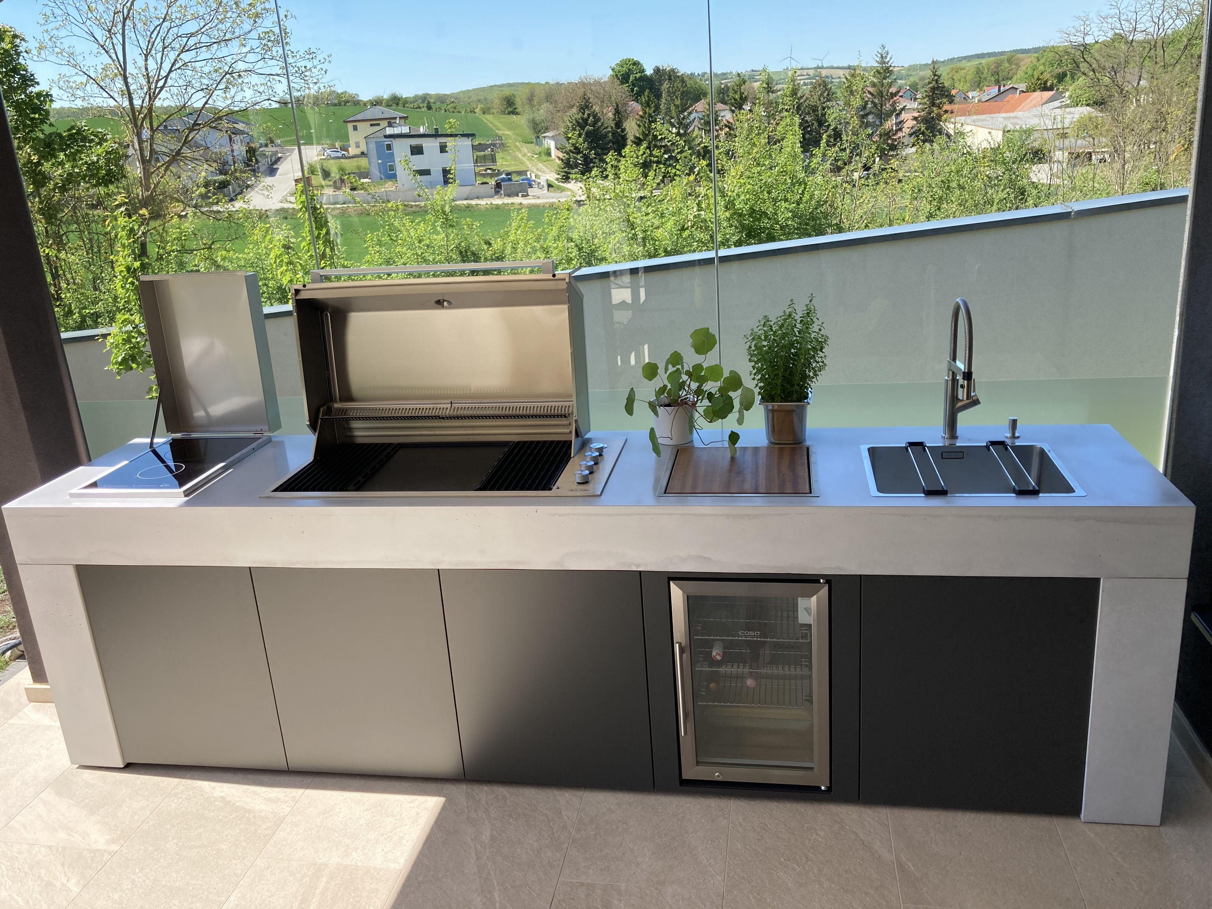 """Outdoor Betonküche """"Concrete"""" by FLAM.E   Outdoor kitchen design ..."""