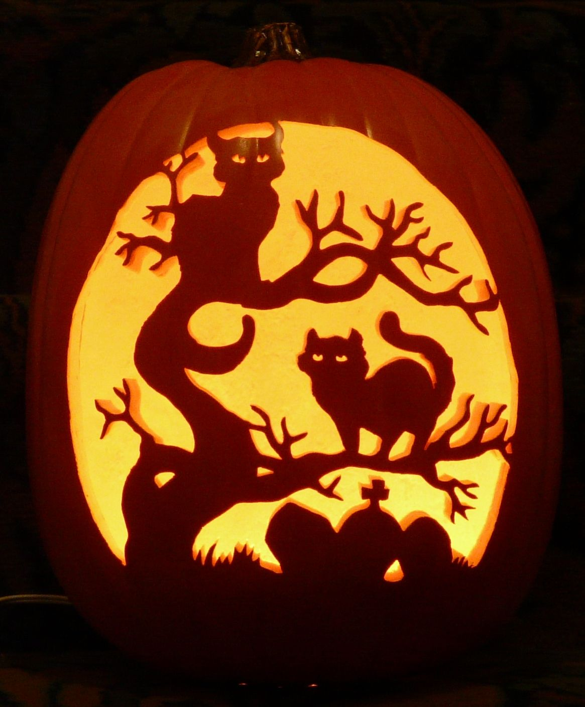 Halloween Cats in Tree pattern by I carved