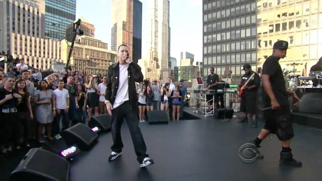 ★ Mysterious Black ★ woow.kaks räpä täplää. - Jay-Z feat. Eminem - Renegade Live (Official HD Video) https://www.facebook.com/permalink.php?story_fbid=1398251450487110&id=100009068054021&pnref=story