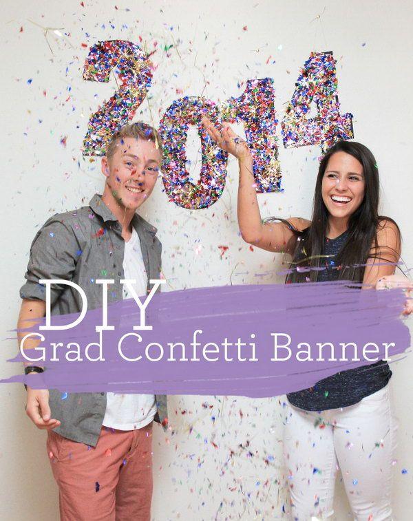 Graduação Confetti Banner.  Use o pincel de espuma para aplicar podge mod para números e polvilhe sobre o confetti.  Penduram no fundo de decorações do partido para criar um efeito visual deslumbrante festivo.
