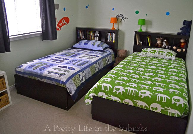 Shared Kids Bedroom Ideas For Most Sibling Combinations Mum S Lounge Boys Shared Bedroom Small Room Bedroom Kids Shared Bedroom