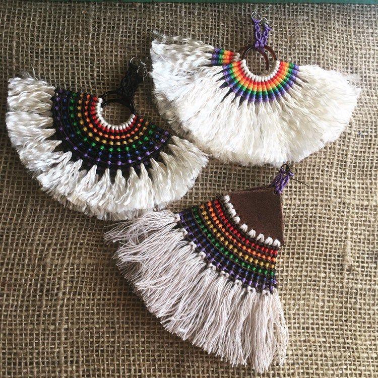 Macrame pendientes arco iris mejores ventas pendientes LGBT arte tribal pendientes Boho estilo de los pendientes del Festival hechos a mano, pendientes de Dangle