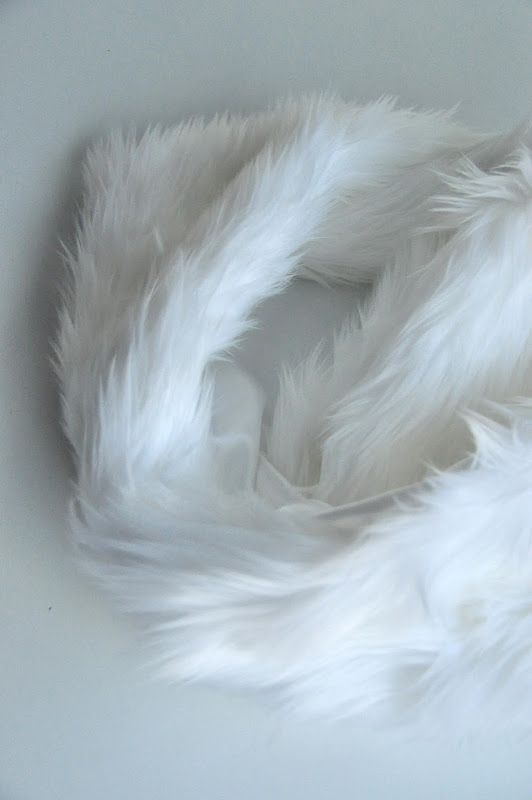 White Faux Fur Infinity Scarf And Tips For Sewing With Faux Fur White Faux Fur Infinity Scarf Diy Tutorial White Faux Fur Faux Fur Scarves Faux Fur