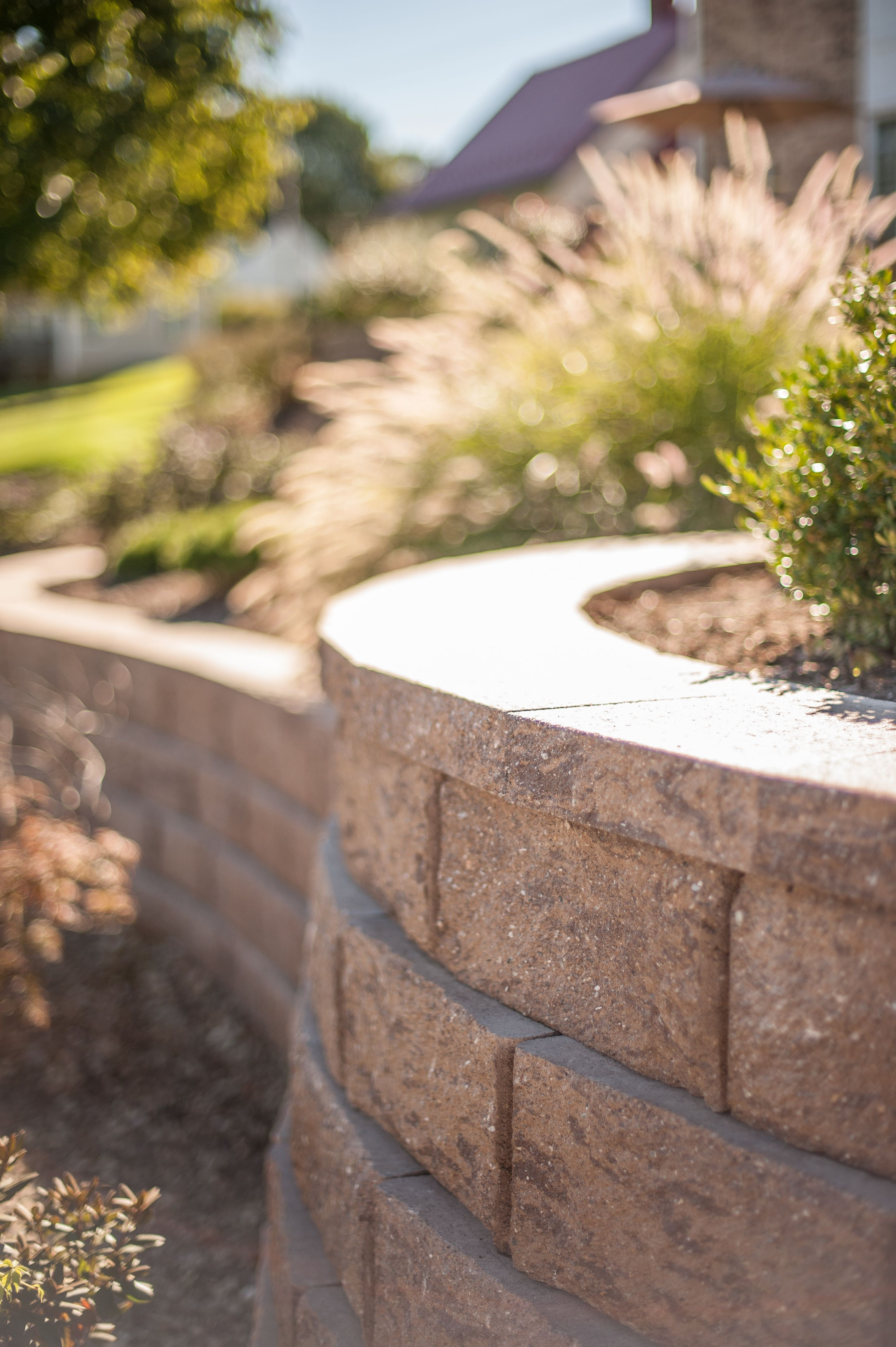 Retaining Walls Are Perfect For Flower Beds And Holding Back Hillsides Hardscape Concrete Paver Patio Free Standing Wall