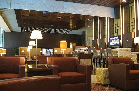 Singapore Airlines SilverKris Lounge: Changi Airport, Singapore (With  images) | Lounge interiors, Lounge design, Airport lounge