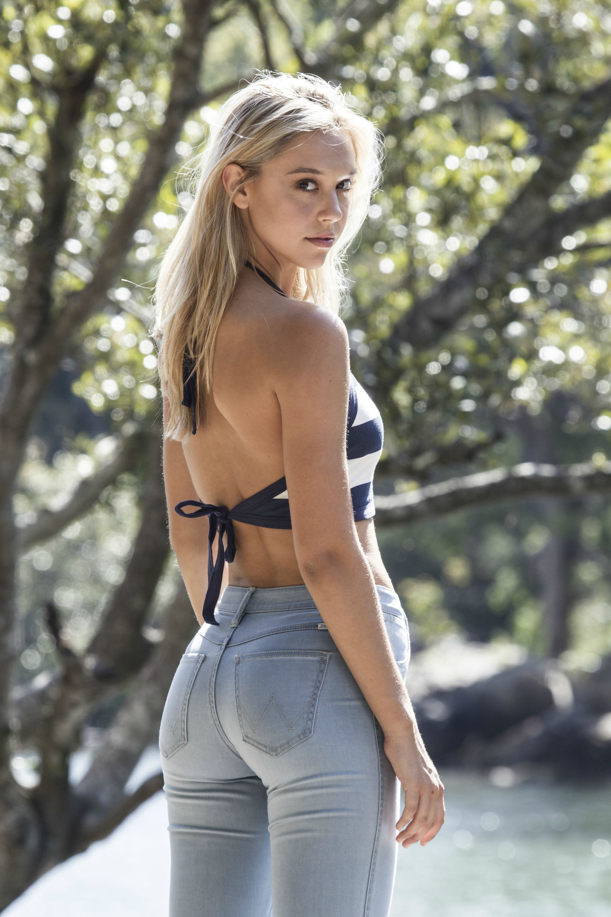alexis ren looking back | alexis ren | pinterest | alexis ren and