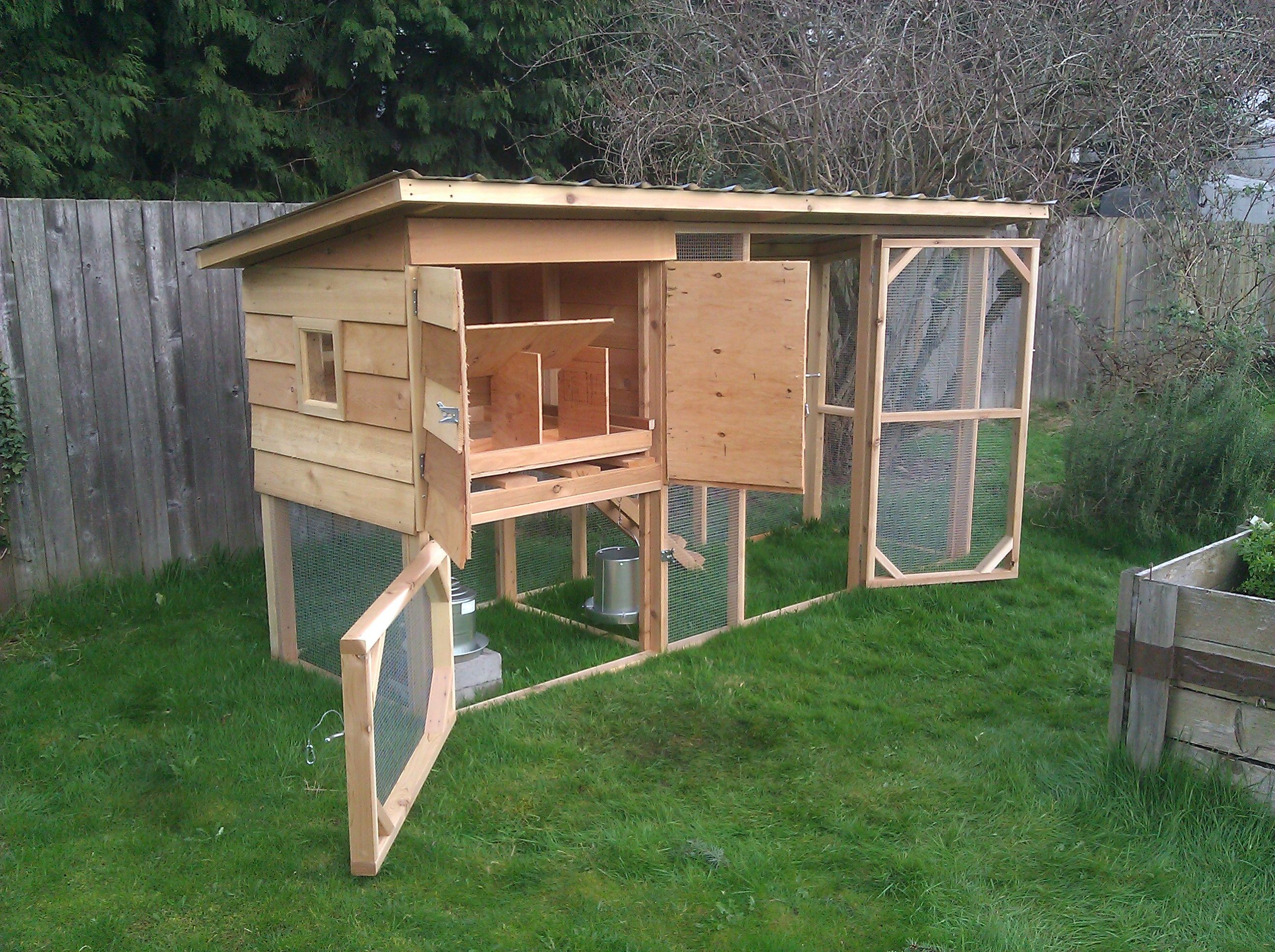 chicken coop ideas chicken in coop chickens pinterest