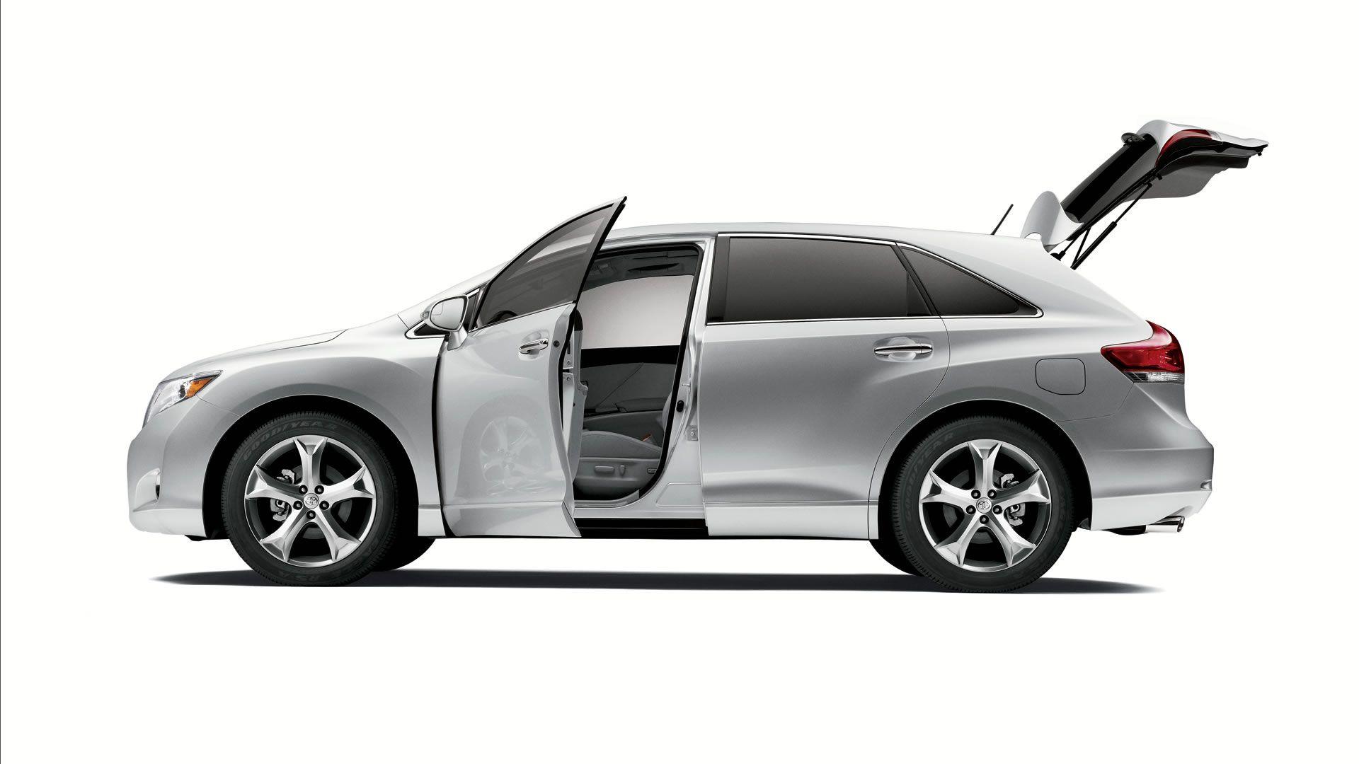 venza silver open trunk 1920—1080 Auto Ansichten