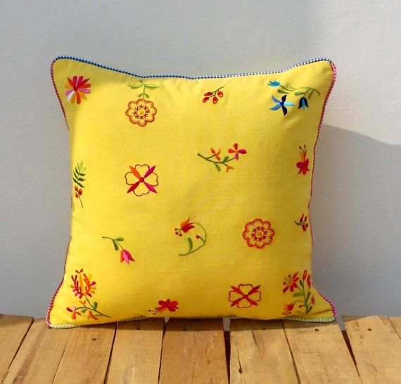 Yellow pillow cover, vintage embroidery, 100% cotton, country look, shabby chic, size available