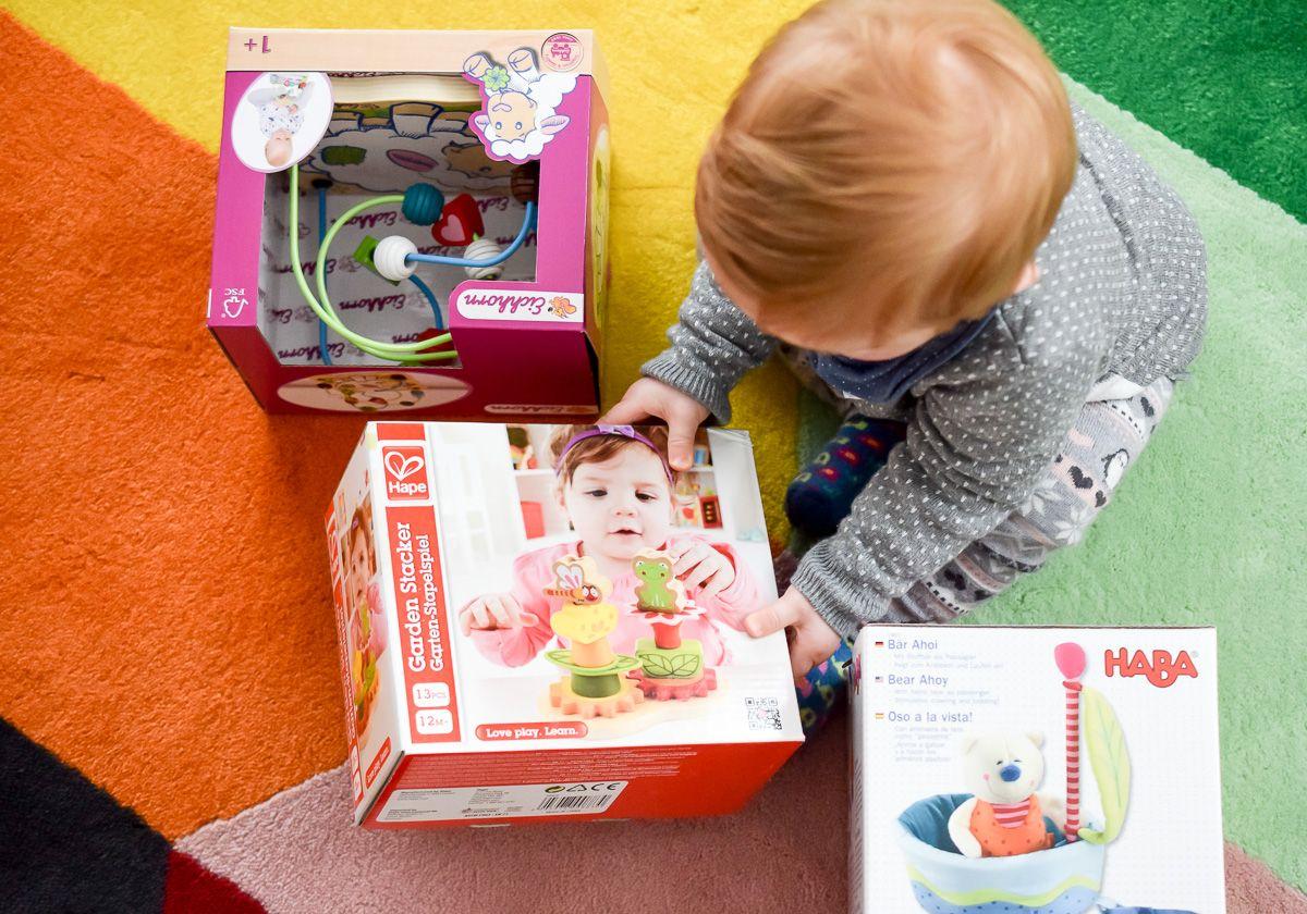 Sinnvolles Spielzeug Ab 1 Jahr Motorikschleife Stapelspiel Aus Holz Spielzeug Ab 1 Jahr Madchen Spielzeug Spielzeug 1 Jahr