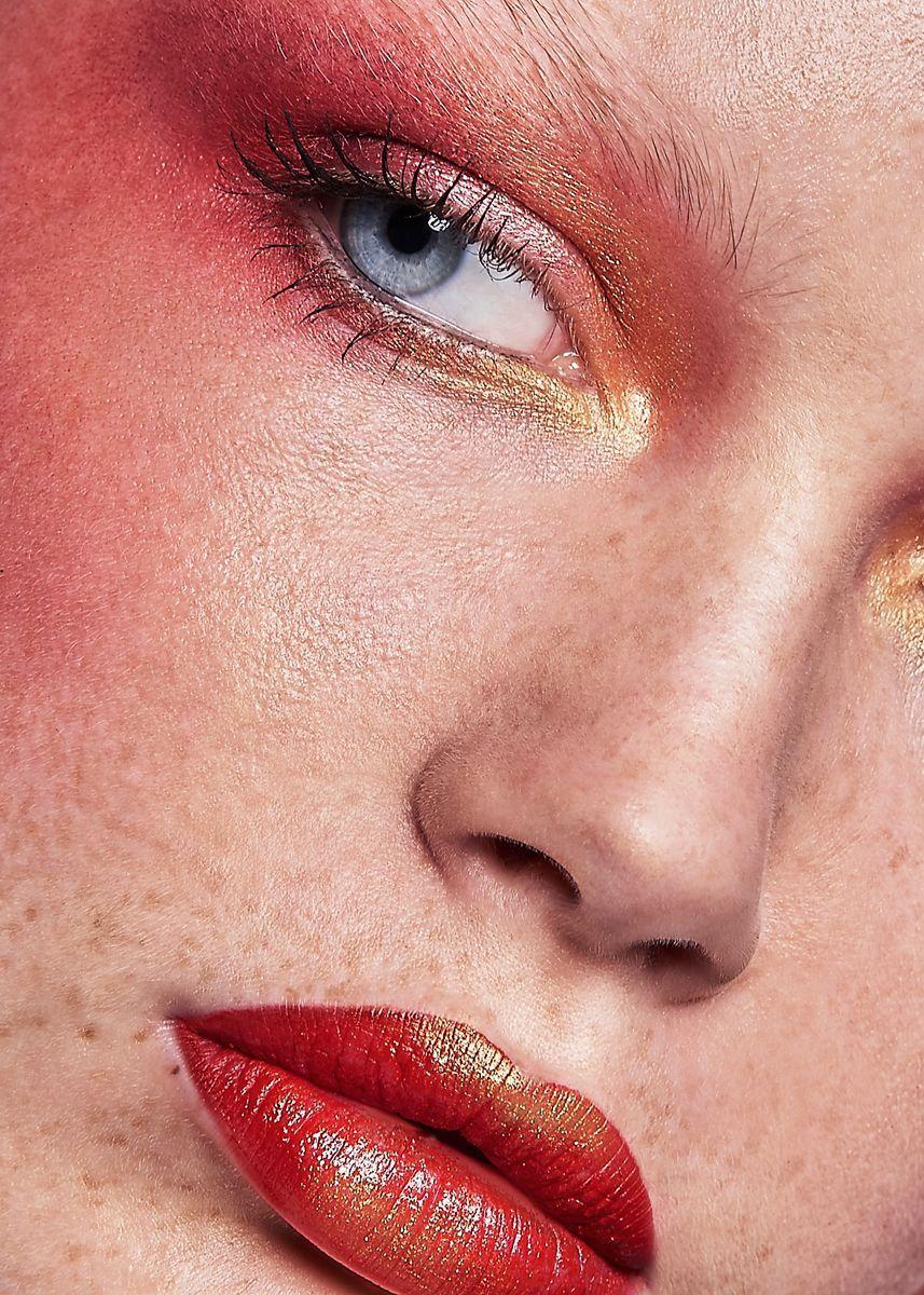 Makeup by Laura Sanchez for glowbcn Beauty editorial