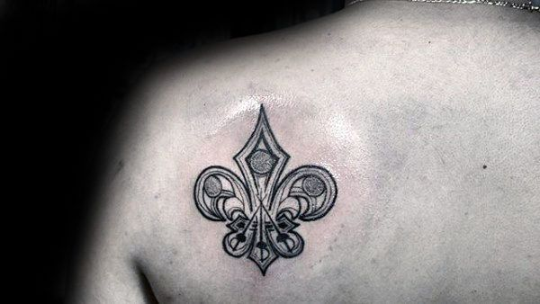 70 Fleur De Lis Tattoo Designs Fur Manner Stilisierte Lily Ink