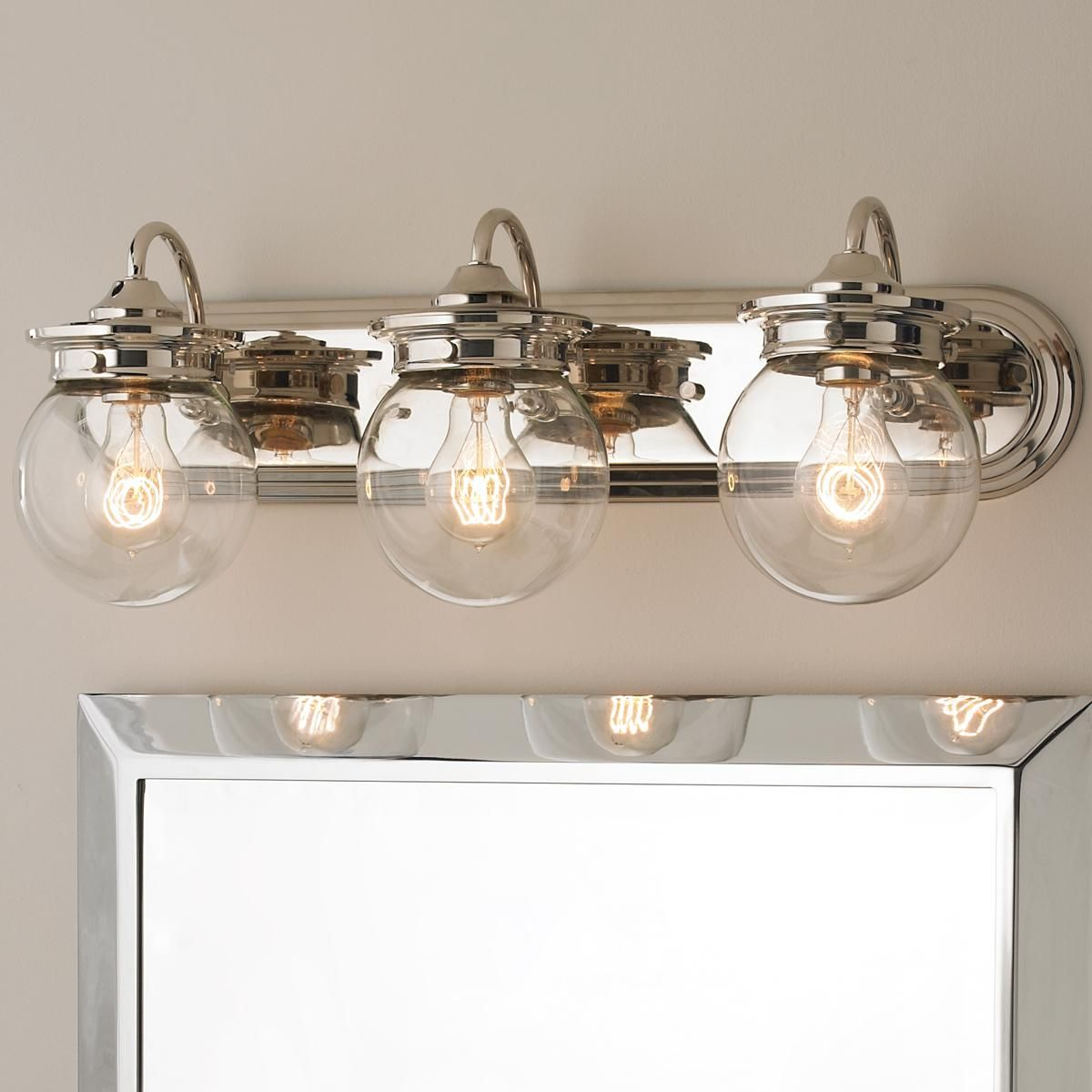Vanity Light Glass Globes : Traditional Clear Glass Globe Bath Light - 3 Light Bath light and Traditional baths