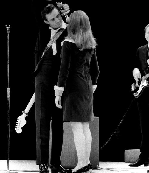 Country Singers Johnny And June Cash John R Cash Born 26 February