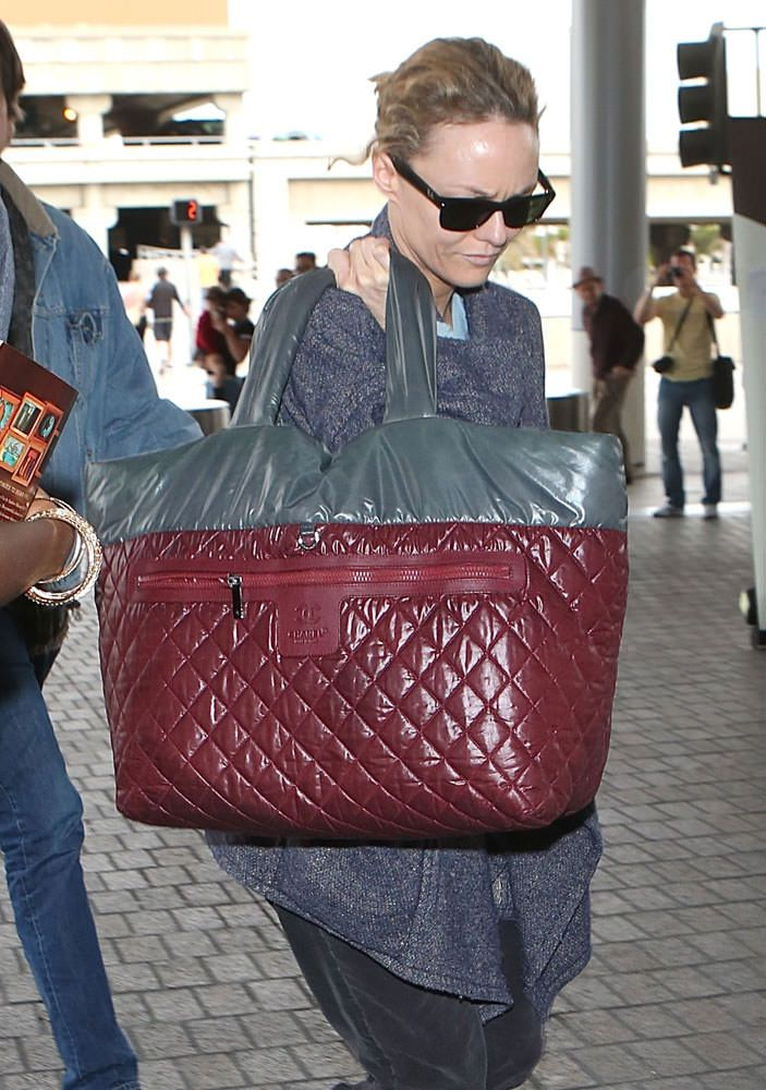 7cfc43bea8b9 Vanessa-Paradis-Chanel-Coco-Cocoon-Weekender-Bag | Chanel | Bags ...