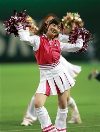 橋本環奈がヤフオクドームで始球式「心臓が飛び出るかと」(2)