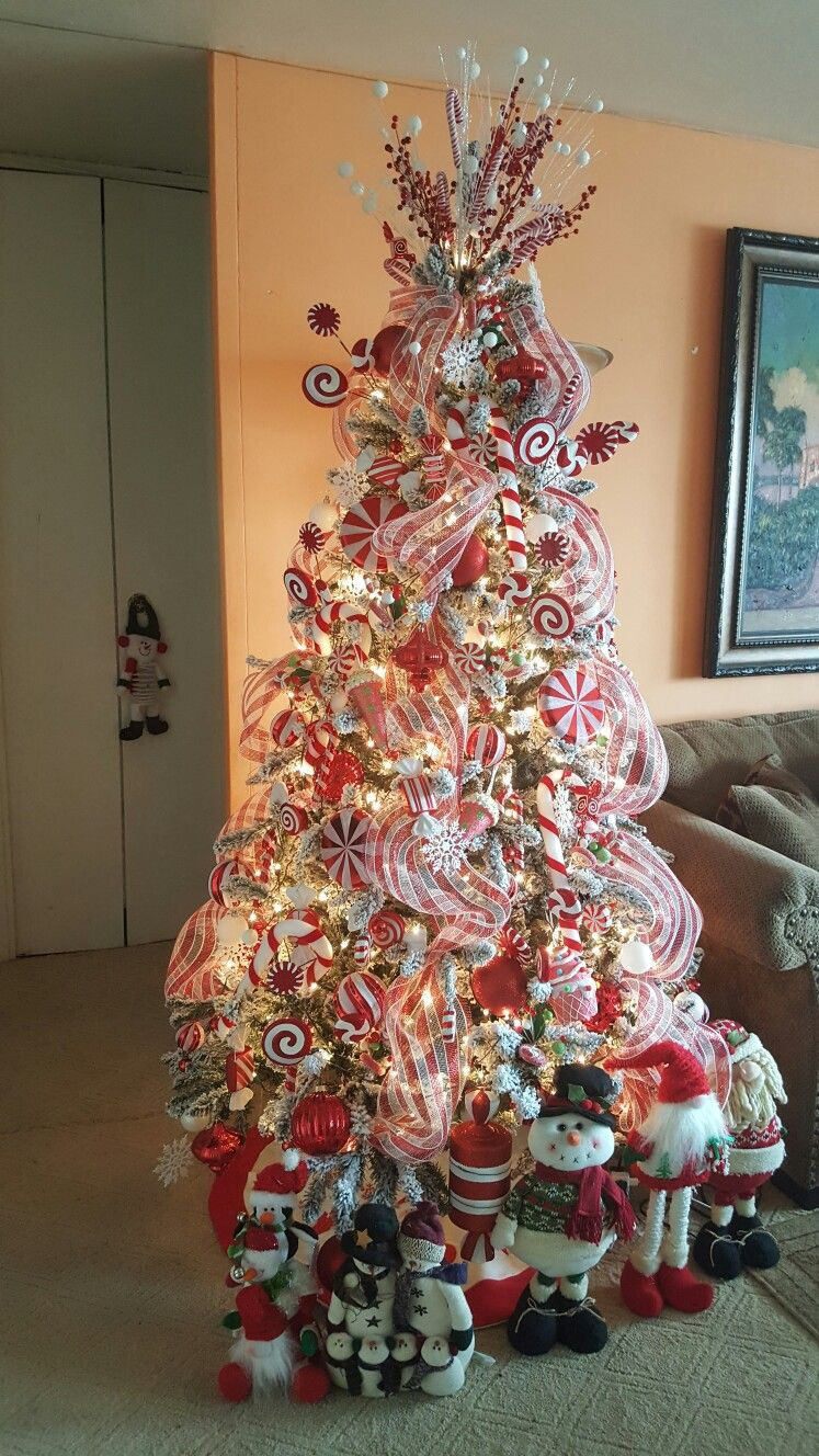 Candy Cane Christmas Tree.Pin By Silvia Santana On Candy Cane Christmas Tree