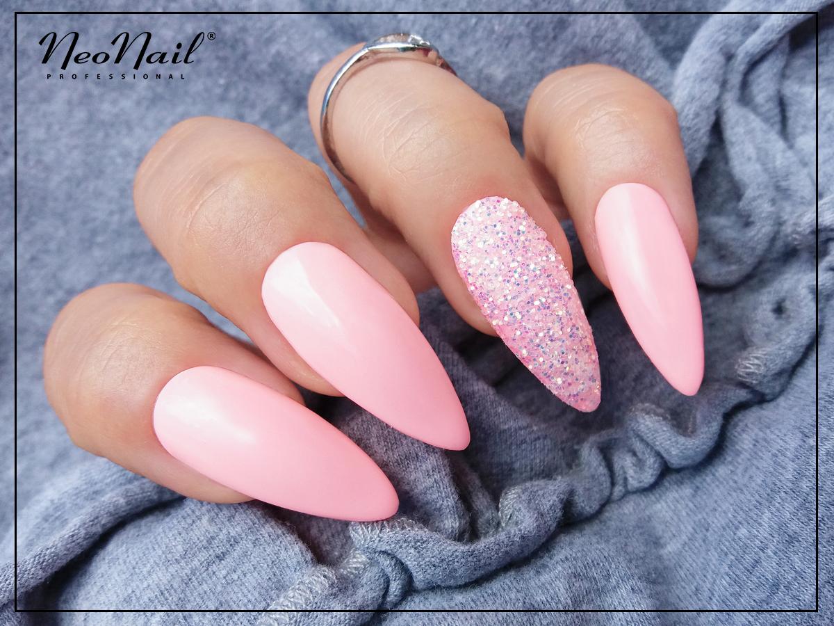 Rozowe Paznokcie Hybrydowe Zdobione Pylkiem Glittery Effect Neonail A Href Https Www Neonail Pl Katalog Pylki Pudr Confetti Nails Manicure Makeup Nails