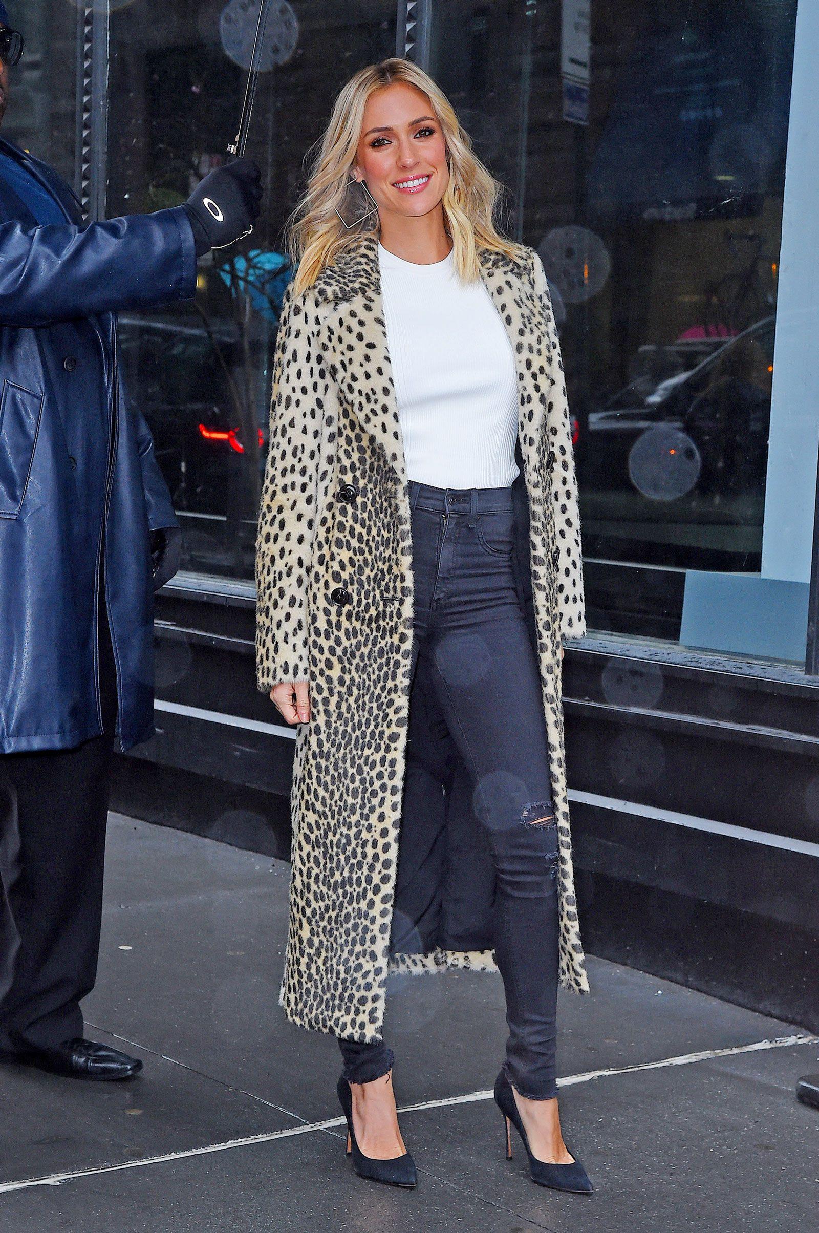 a5c0eed79ea8 Kristin Cavallari's Leopard Coat, Black Pumps, and Square Hooped ...