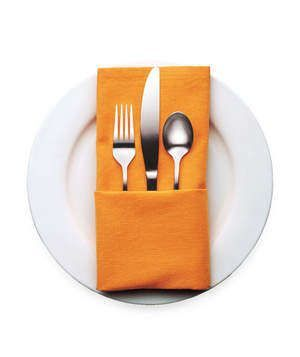 4 Decorative Napkin Folding Ideas #foldingnapkins