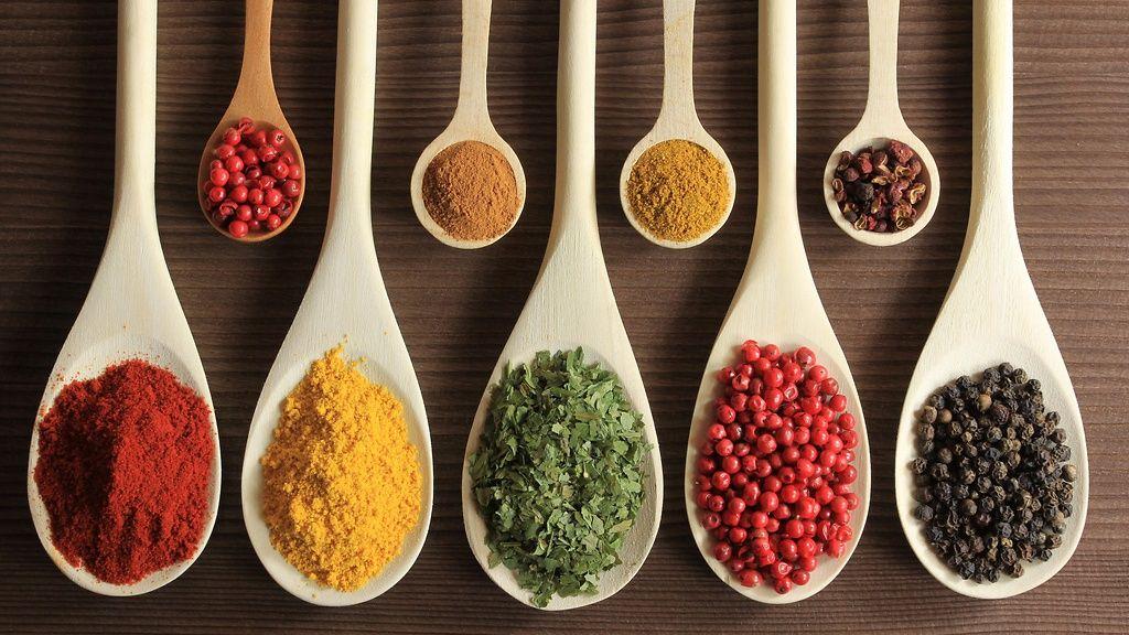 Mausteiden tulisi olla kirkkaan värisiä ja tuoksua voimakkaalta.  Copyright: Shutterstock. Kuva: Krzysztof Slusarczyk.