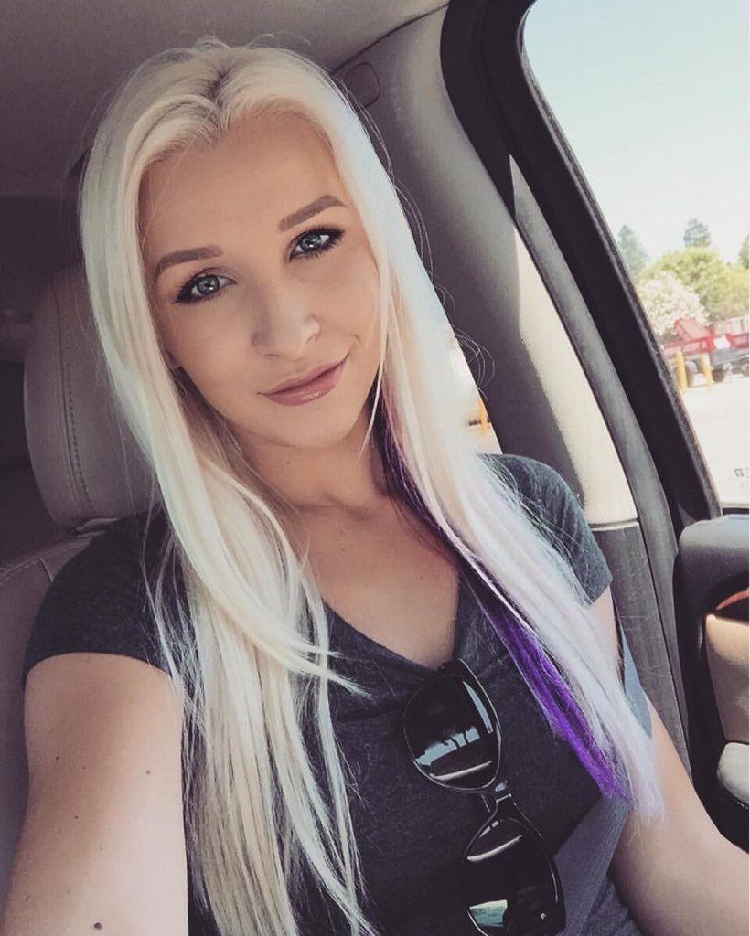 hot cheerleader pussy self pic
