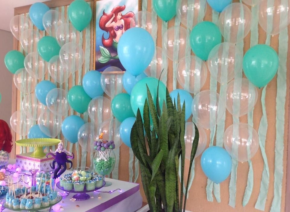 Cortina de balões para a Pequena Sereia, com balões da Balão Cultura. Créditos…