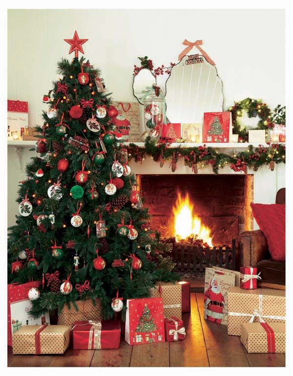 The Cosy Christmas Look Is A Beautifully Warm And Traditional Way To Decorate Your Home Cosy Christmas Christmas Christmas Tree
