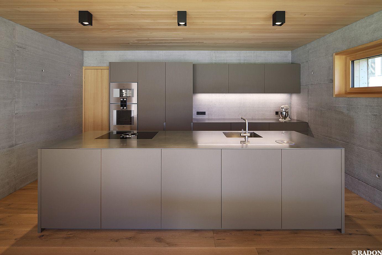 haus f.-l.   landküchendesign, architekt, küche holzboden