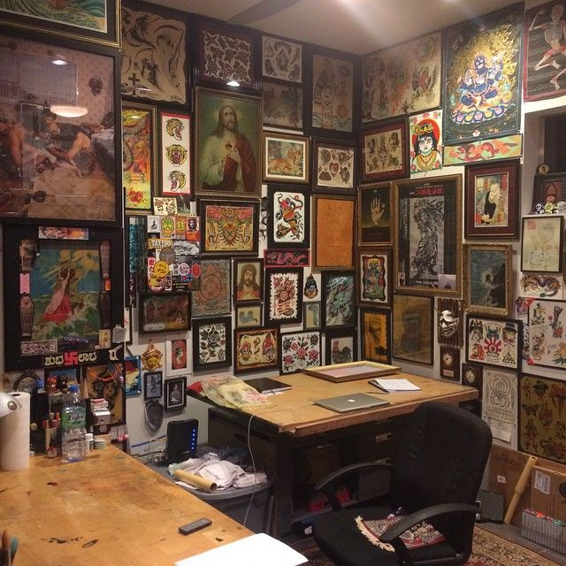 The atmosphere at rock of ages tattoo studio austin usa for Tattoo shop hackney road