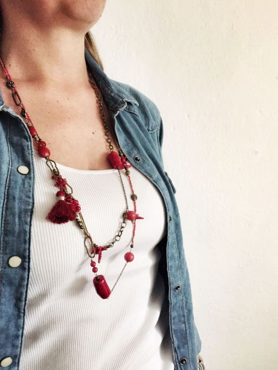 Collana lunga con pietre rosse di Ebbijoux su Etsy