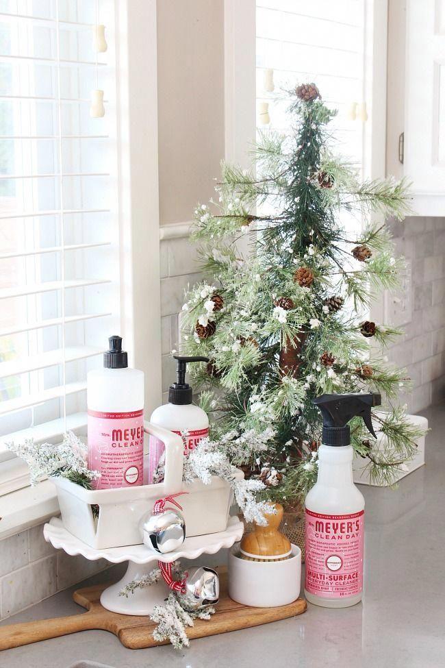 christmas kitchen decor christmas kitchen decor kitchen diy makeover cute kitchen on kitchen xmas decor id=77593
