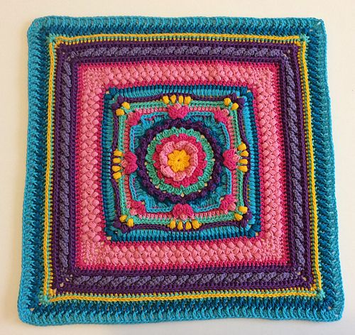 Ravelry: Celia cushion cover pattern by Lucia Martins | Crochet ...
